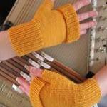 Alpaca Fingerless Mitts - m..